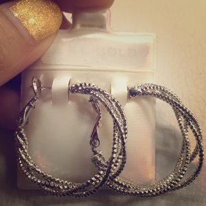 Jewelry - Silver colored earrings‼️