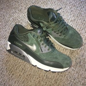 Nike Air Max 9 Forest Green Suede