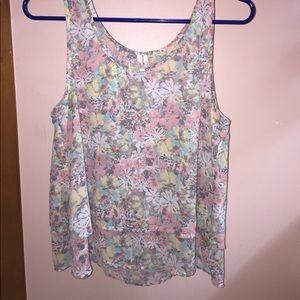 Frenchie pastel floral 🌸 crop top. NWOT.
