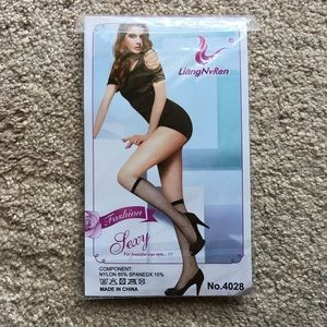 Accessories - Knee high black fishnet stockings