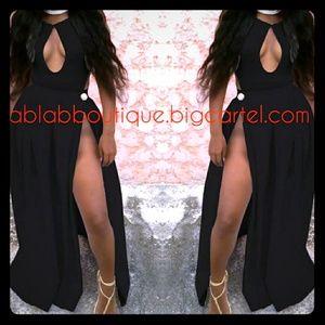 🆕Black Backless Halter Dress
