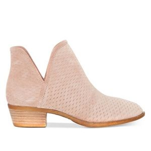 f1b4394e619e3 Lucky Brand Shoes - NWT Baley Perforated Blush Booties