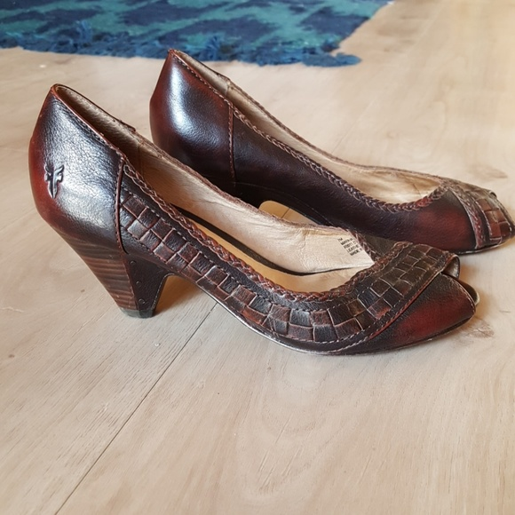 Frye Leather Peep-Toe Pumps with paypal low price clearance cheap price free shipping choice MWkXRdF