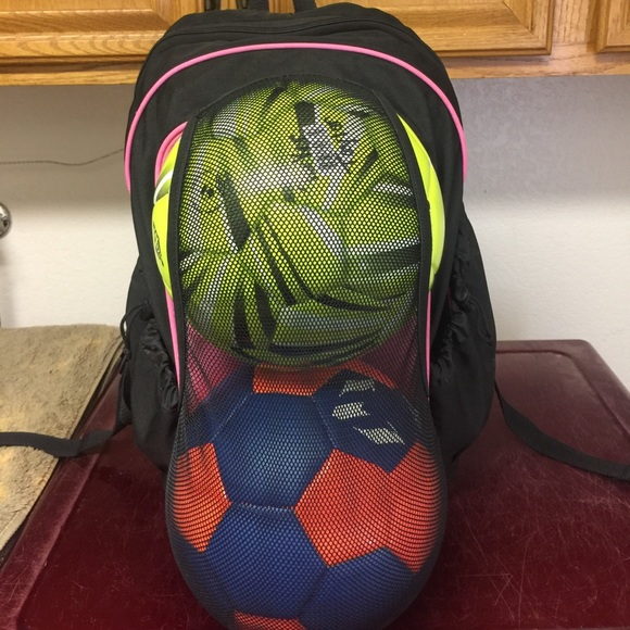 Umbro soccer bag. M 59a9e03cb4188e5975009b3e 3bf998aad2
