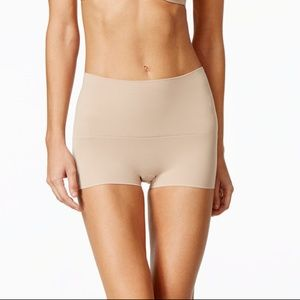 NEW Spanx Power Shorty--Light Nude color