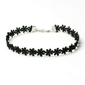 Jewelry - Black flower lace choker. Elegant jewelry.