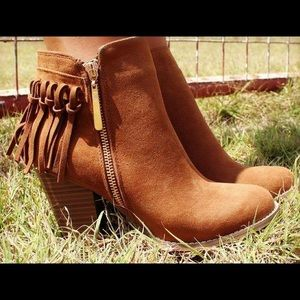 Shoes - Brown fringe booties