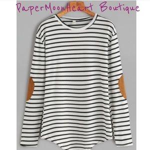 LAST ONE ☝️ Flattering Black & White Striped Top