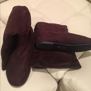 Boots suede brown size 6.5. Not worn
