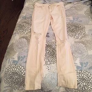 Free People Off-White distressed jeans LIKE NEW