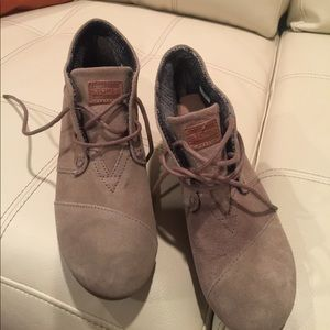 Toms ankle boots size 6