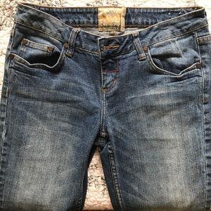 🔴$6 American Rag straight jeans