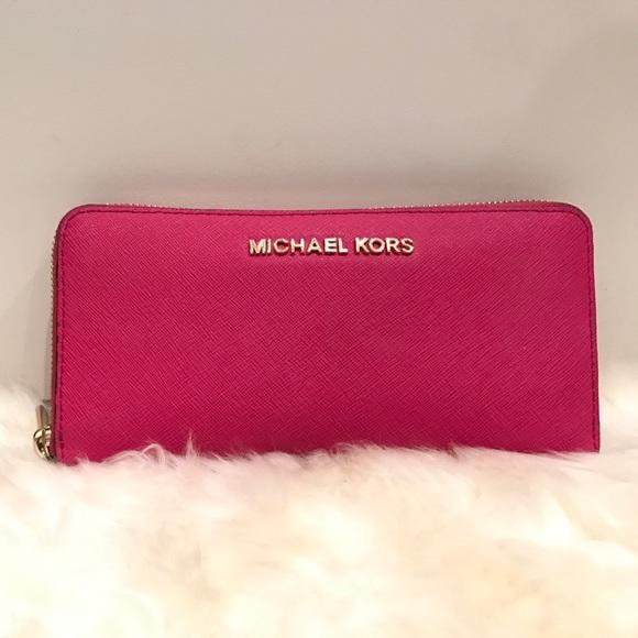 7bb3a3e65130 MICHAEL Michael Kors Bags | Jet Set Pink Wallet | Poshmark
