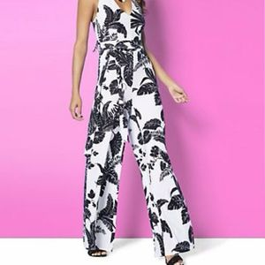 ♥️HP♥️Nwt NY & co palm leaf print jumpsuit