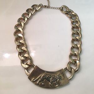 Jewelry - Gold chain with leopard detail