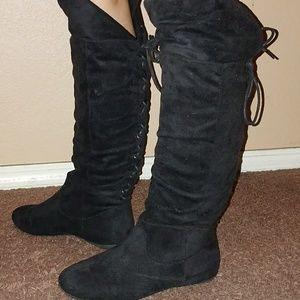 Shoes - Black flat boots