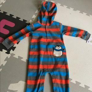 🐧 Penguin NWT Carter's fleece one piece 12 mon.