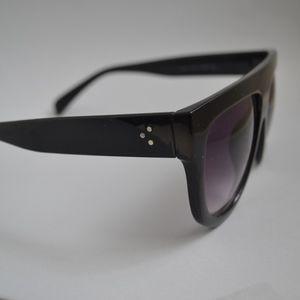 a6e6c04996d Accessories - Flat top brow bar Sunglasses w  Gradient lens