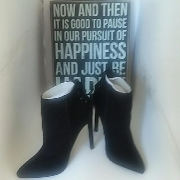aa83cf641de Black high rise heels