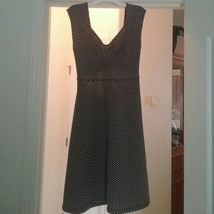 Pin up style dress with cut out in the back!