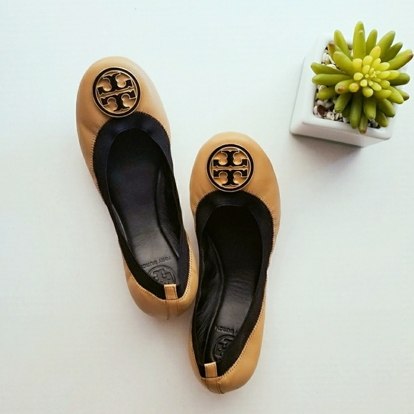 709aa20ff7039 Sale Tory Burch Caroline Ballet Sand Leather Flats.  M 59bac1fb78b31c864401dca7