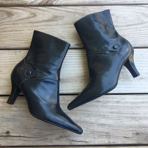 Michelle D Pointed Heeled Boots