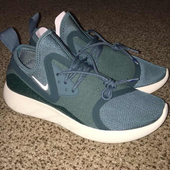 647a489b28 Nike Shoes | Lunarcharge Essential | Poshmark