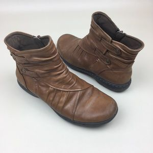 Rockport Cobb Hill Pandora Almond Ankle Boots 8W