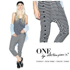 🆕One Teaspoon Fox Trot Slouch Pants Black/White