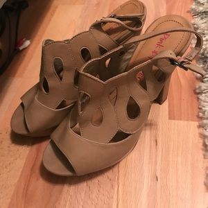 Tan Heels - Pink & Pepper size 8