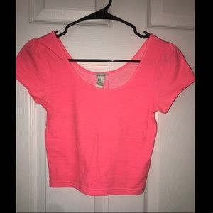 Tops - Neon pink crop top