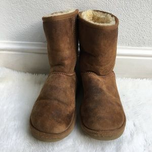 UGG Brown Classic Short Boots size size 7