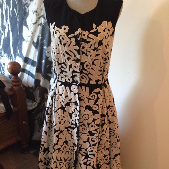 83abbe0f361e Nicole Farhi Sleeveless Wool Embroidered Dress. M_59ab42d24e95a30258034c39