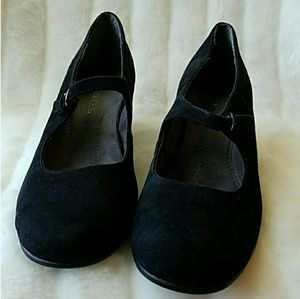 Shoes - Aerosoles black suede wedge Mary Janes. Size 7.5.