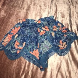 UO Floral Lace Shorts