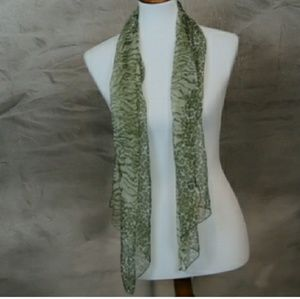 Marc Rozier 100% silk filmy green fashion scarf. M