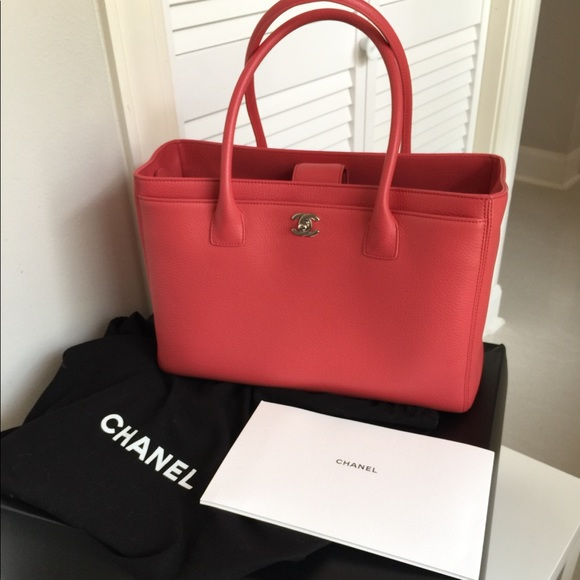 67ef6410c281 CHANEL Handbags - CHANEL Large Executive Cerf Grand Shopping Tote