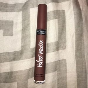 Victoria's Secret Makeup - Dark Brown Victoria's Secret lip stain