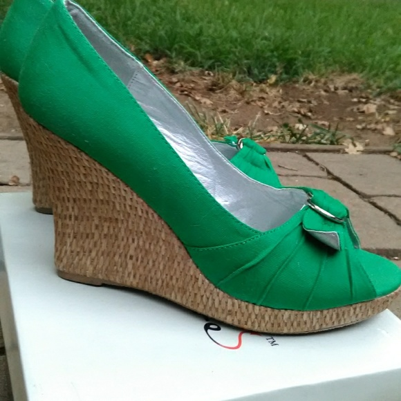 58950e3aea6 Green wedges size 8.5 by misbehave espadrilles