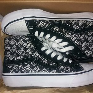 4eb673ff2f6c12 Vans Shoes - Off The Wall