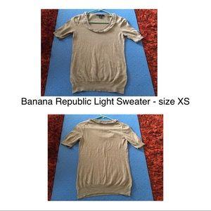 Banana Republic Light Sweater - size XS