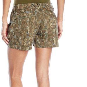 NWT COLUMBIA Women/'s Green Camo Printed KENZIE COVE Cotton Short Shorts ~ 8