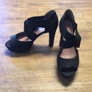 Black size 9 peep toe heels