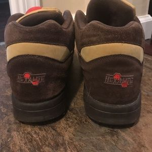 The Pump Reebok Mens Tennis Shoes Brown Size 11