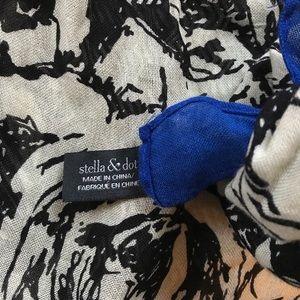 Stella & Dot Accessories - Stella & Dot Union Square Scarf