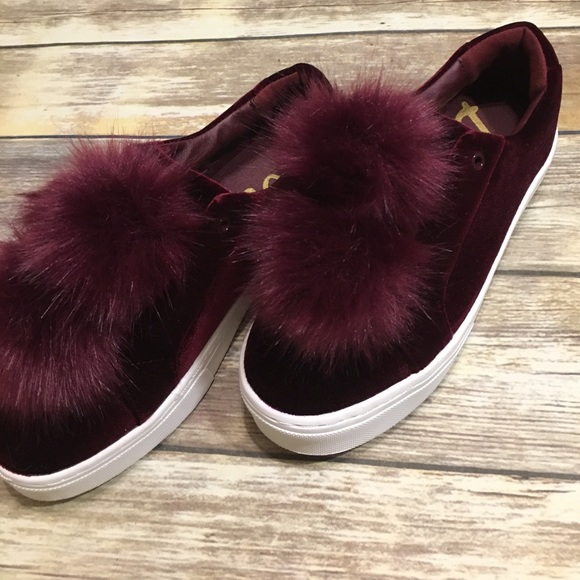 bcb7e689b0ce Sam Edelman Leya wine sneakers pompom faux fur 8. M 59ac1c1db4188e030b05dad5