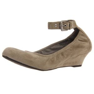 Taupe suede rock port Alina anklestrap wedge shoes