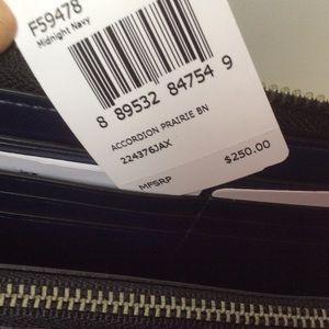 Coach Bags - 🆕COACH Accordion Wallet in Prairie Bandana