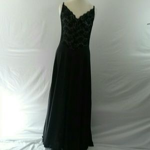 Vintage Janelle of California Black Nightgown