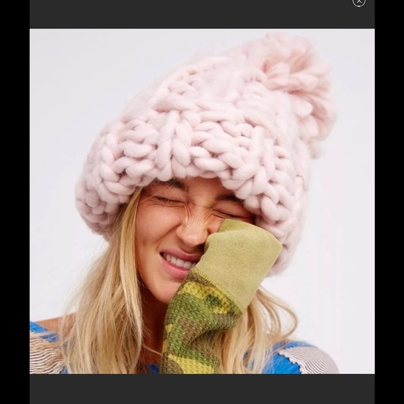 14ccd9b1c4e Free People Accessories - FREE PEOPLE PARKHURST BOBBI CHUNKY BEANIE NEW